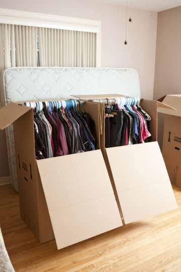emballage lors d'un déménagement - boîte garde-robe